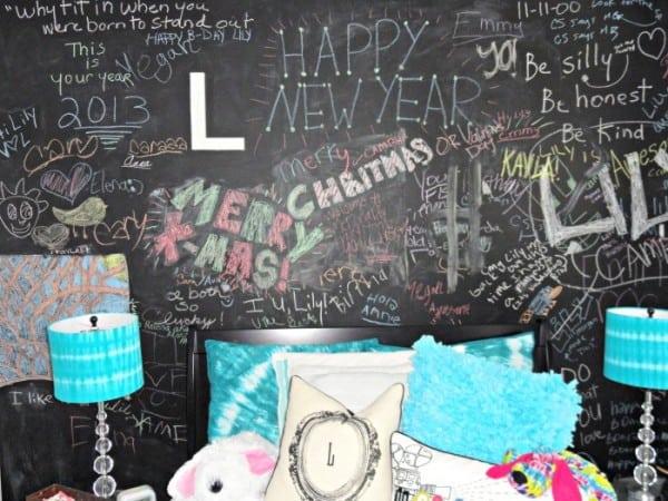 Chalkboard Headboard Ideas-18-1 Kindesign