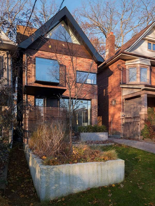 featured posts image for Three-story contemporary renovation in Toronto: 142 Kenilworth