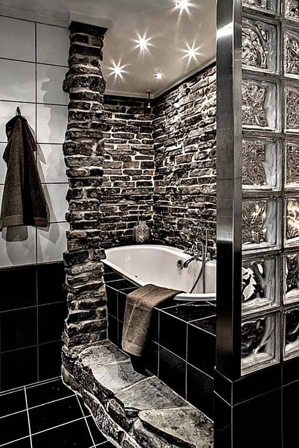 Dark and Moody Bathrooms-24-1 Kindesign