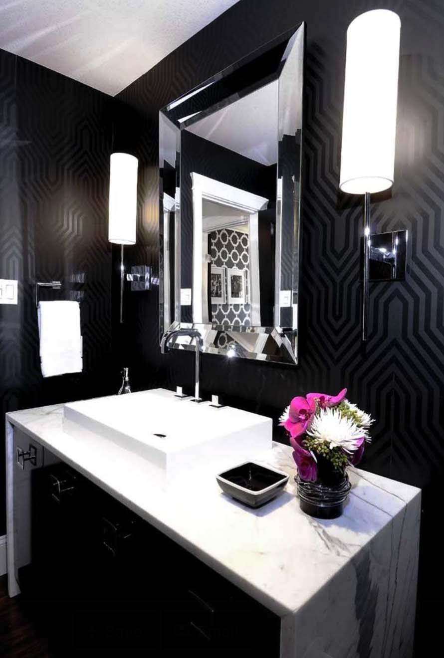 Dark and Moody Bathrooms-36-1 Kindesign