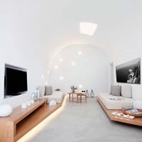 Villa Anemolia displays simplicity of design in Santorini