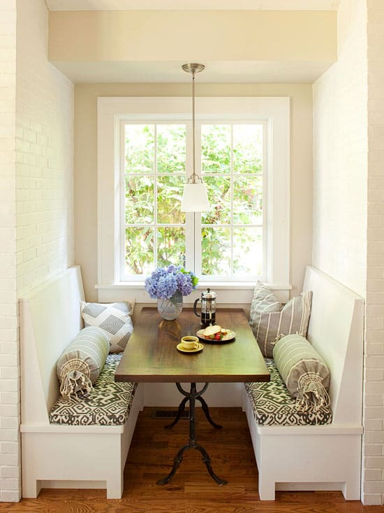 Breakfast nook design ideas 49 1 kindesign for Eating tables for small spaces