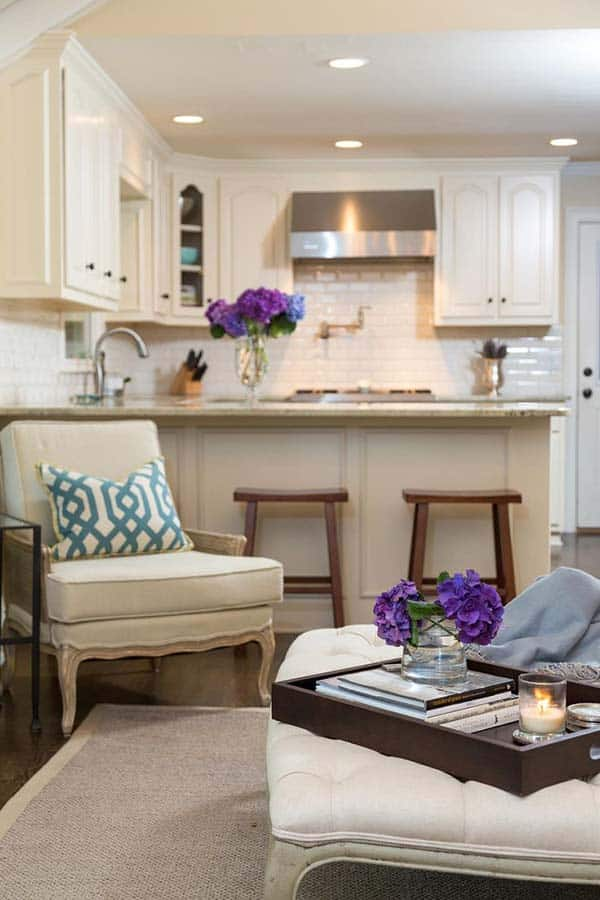 38 Small yet super cozy living room designs on Small Living Room  id=76914
