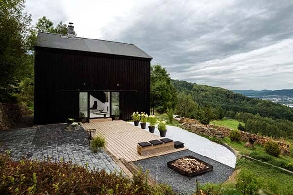 featured posts image for Old barn revamped to elegant yet functional pad in Czech Republic