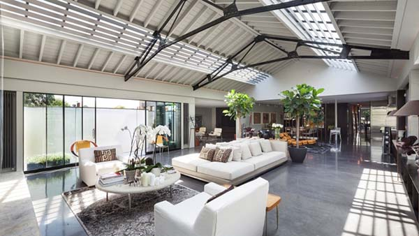 featured posts image for London converted warehouse showcasing dramatic vaulted ceilings