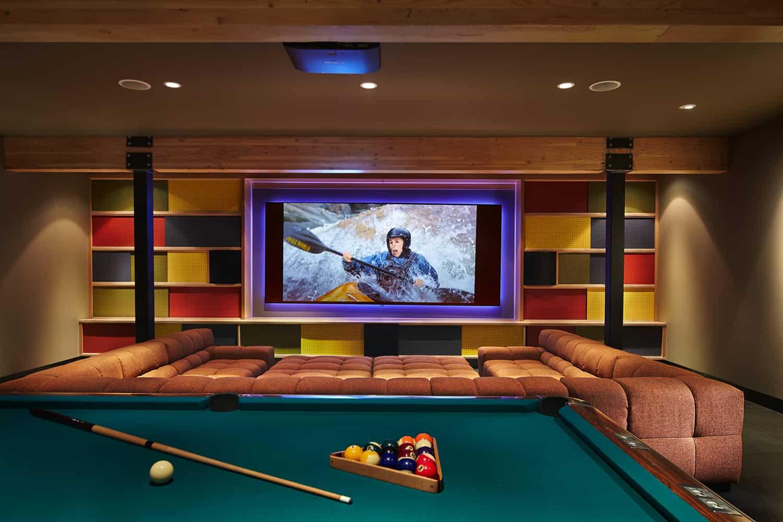 mountain-retreat-family-room-pool-table