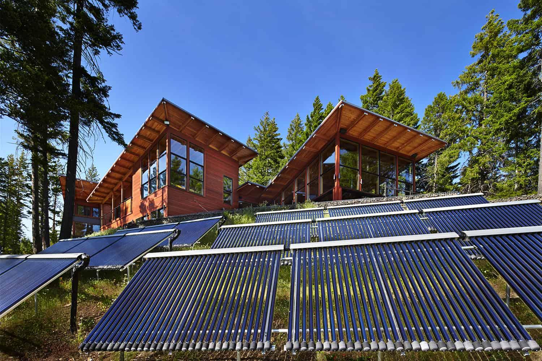 mountain-retreat-exterior-with-solar-panels