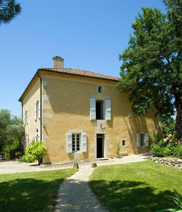 featured posts image for Abandoned 250-year-old stone farmhouse revival in France