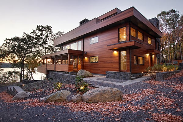 featured posts image for Modern yet warm weekend retreat overlooking the Hudson River