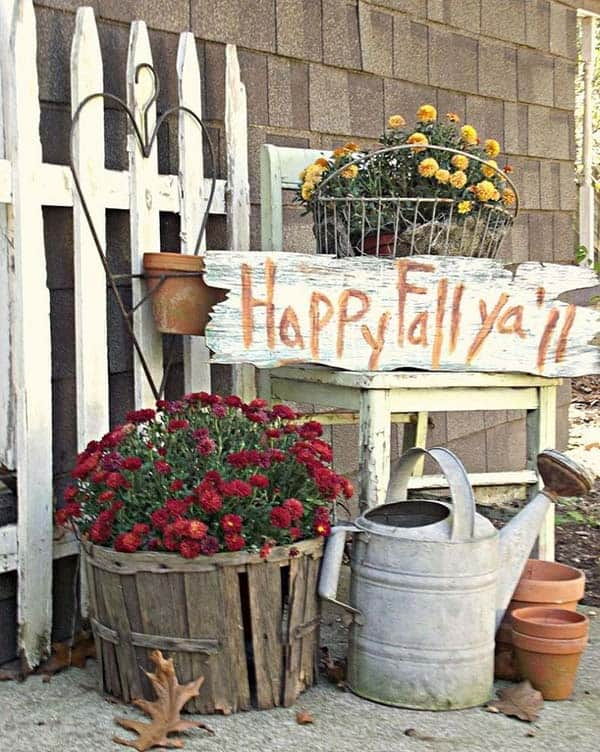 40 amazing fall inspired front porch decorating ideas Small front porch decorating ideas for fall