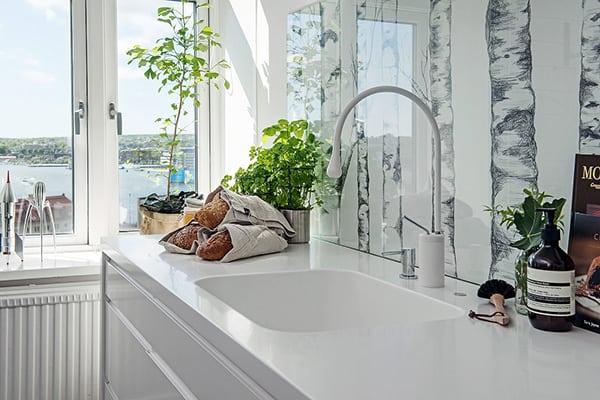 Stylish-Renovated-Apartment-Sweden-08-1 Kindesign