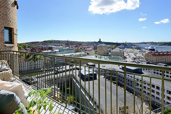 Stylish-Renovated-Apartment-Sweden-19-1 Kindesign