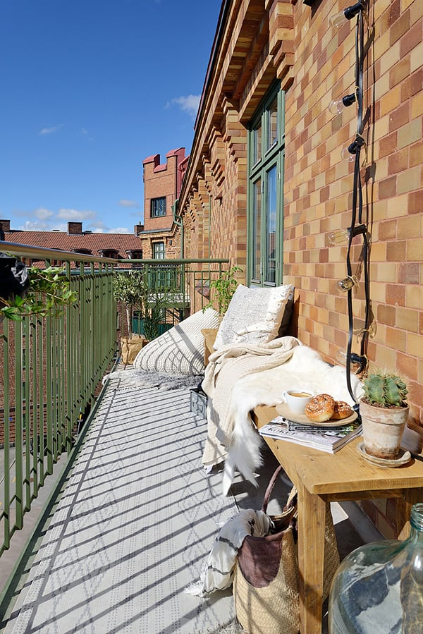 Stylish-Renovated-Apartment-Sweden-20-1 Kindesign