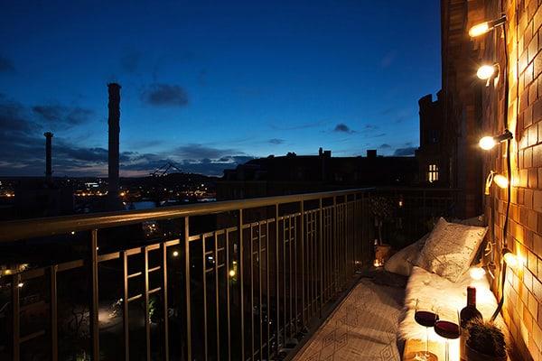 Stylish-Renovated-Apartment-Sweden-22-1 Kindesign