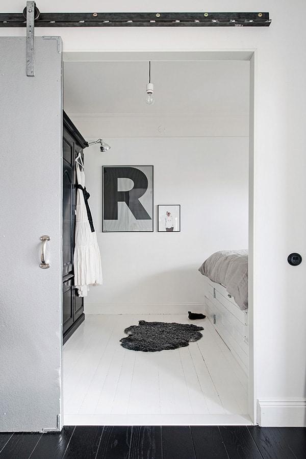 Stylish-Renovated-Apartment-Sweden-24-1 Kindesign