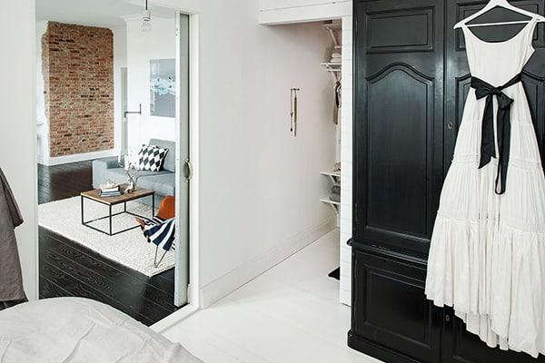 Stylish-Renovated-Apartment-Sweden-26-1 Kindesign