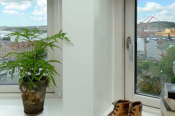 Stylish-Renovated-Apartment-Sweden-28-1 Kindesign