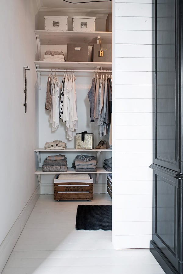 Stylish-Renovated-Apartment-Sweden-29-1 Kindesign