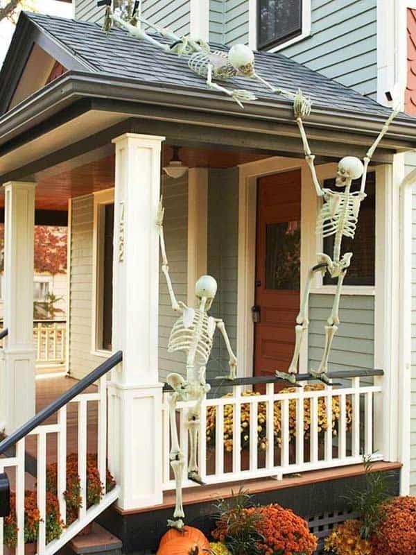 Outdoor Halloween Decorating Ideas-01-1 Kindesign
