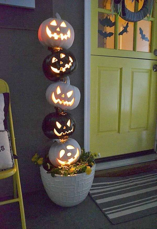 Outdoor Halloween Decorating Ideas-08-1 Kindesign