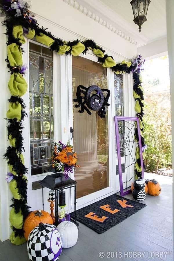 Outdoor Halloween Decorating Ideas-15-1 Kindesign