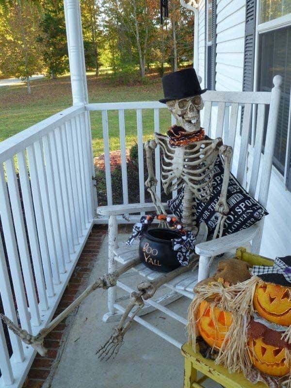 Outdoor Halloween Decorating Ideas-23-1 Kindesign