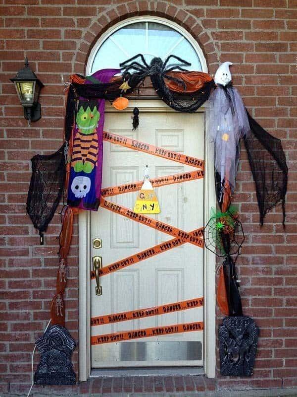 Outdoor Halloween Decorating Ideas-34-1 Kindesign