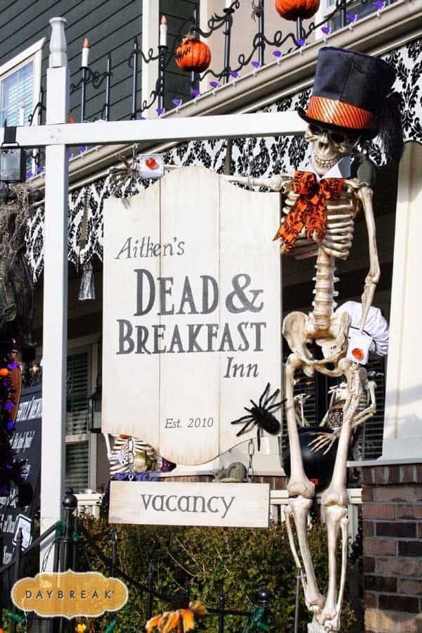 Outdoor Halloween Decorating Ideas-37-1 Kindesign