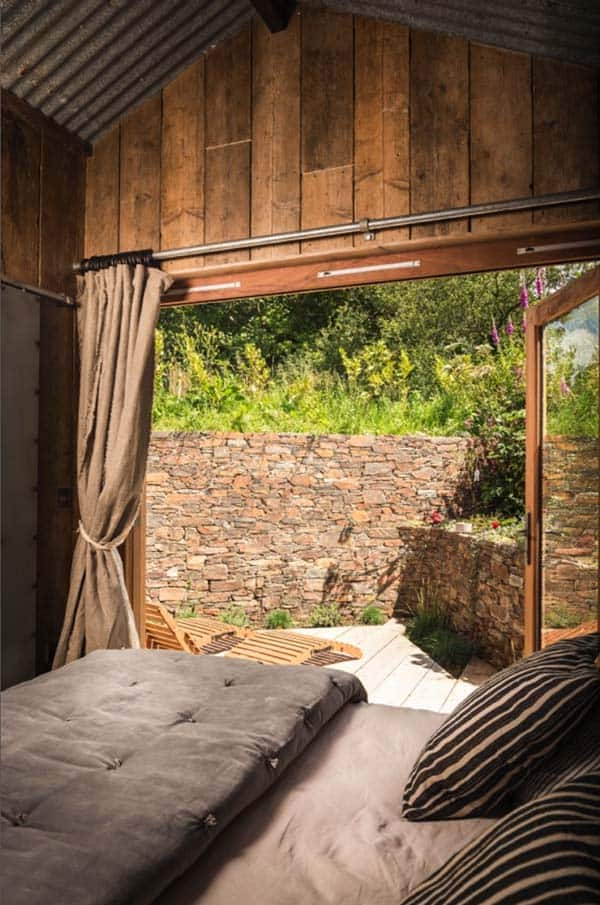 Self-Catering-Rustic-Log-Cabin-Cornwall-12-1 Kindesign