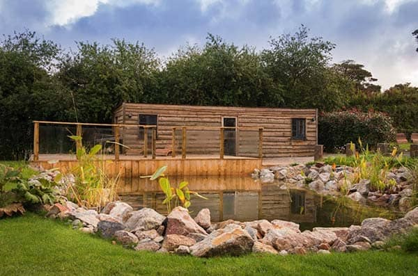 Self-Catering-Rustic-Log-Cabin-Cornwall-26-1 Kindesign