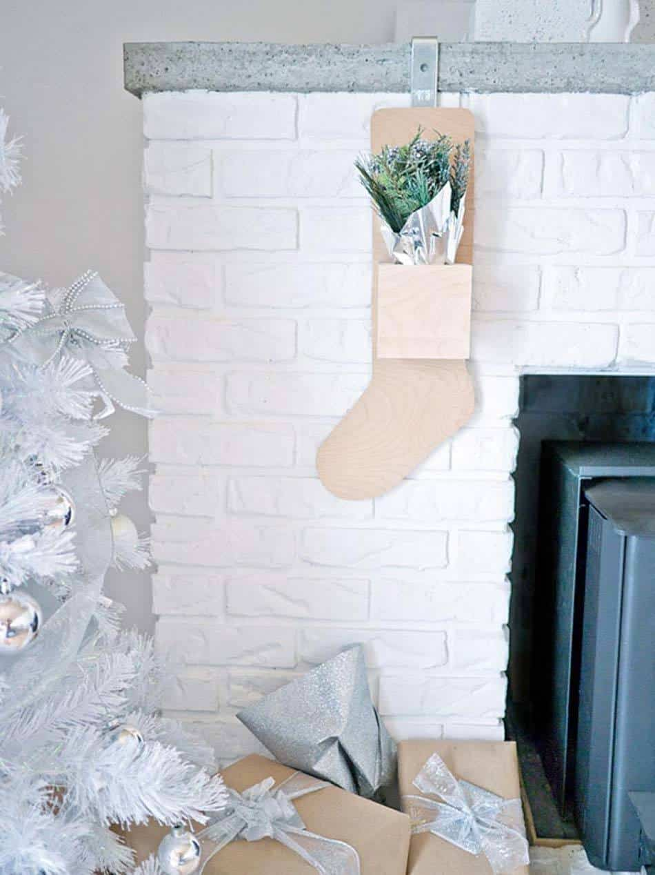 Christmas Stocking Ideas-04-1 Kindesign