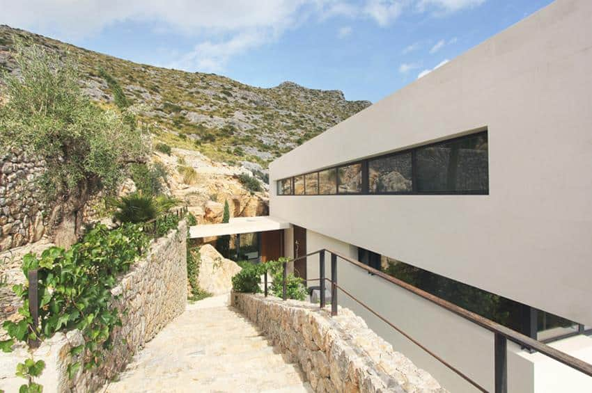 Contemporary Mountain House-Miquel Lacomba-08-1 Kindesign