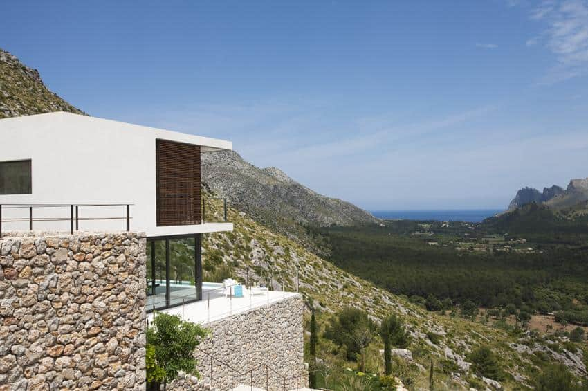 Contemporary Mountain House-Miquel Lacomba-12-1 Kindesign