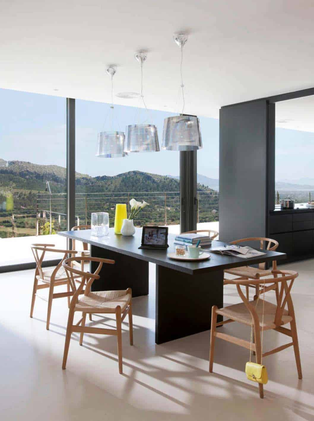 Contemporary Mountain House-Miquel Lacomba-18-1 Kindesign