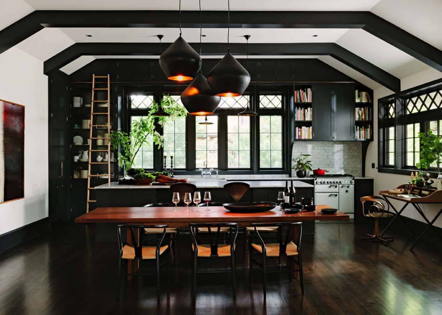 Dramatic Black Kitchen Ideas-04-1 Kindesign