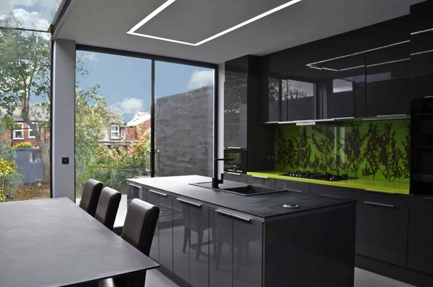 Dramatic Black Kitchen Ideas-13-1 Kindesign