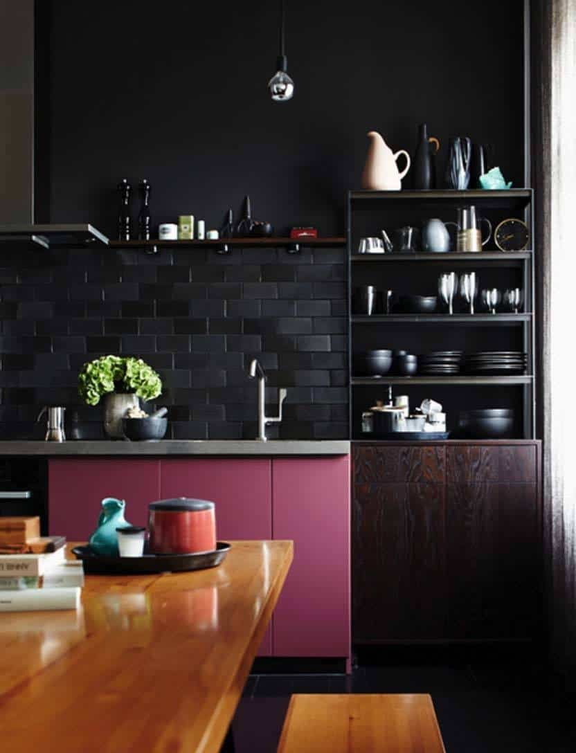 Dramatic Black Kitchen Ideas-24-1 Kindesign