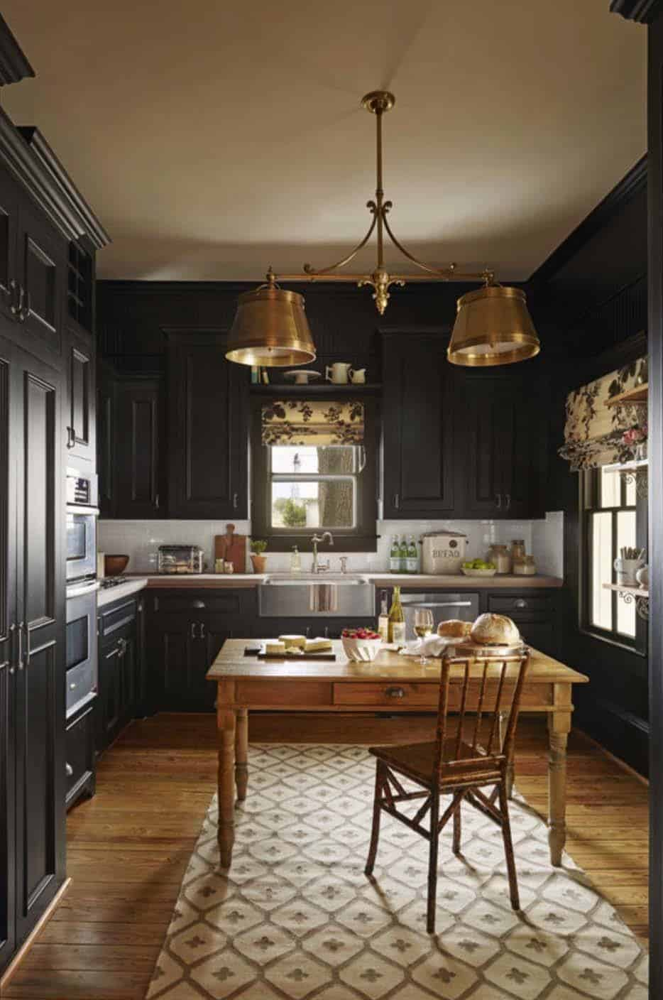 Dramatic Black Kitchen Ideas-30-1 Kindesign