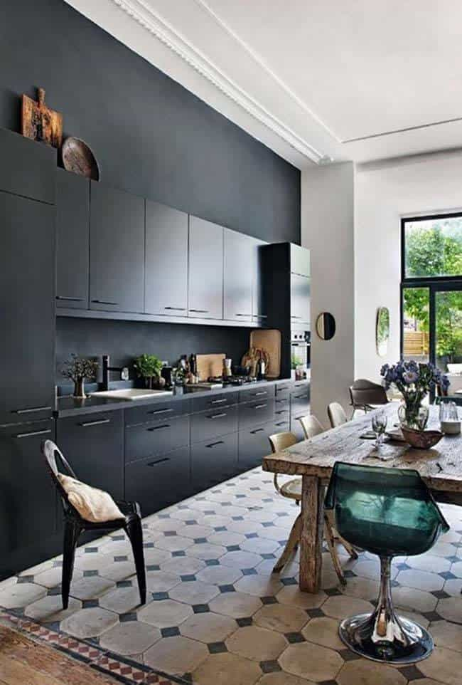 Dramatic Black Kitchen Ideas-31-1 Kindesign