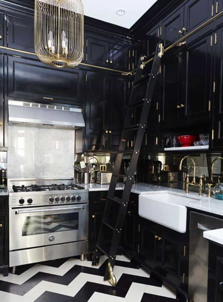 Dramatic Black Kitchen Ideas-34-1 Kindesign