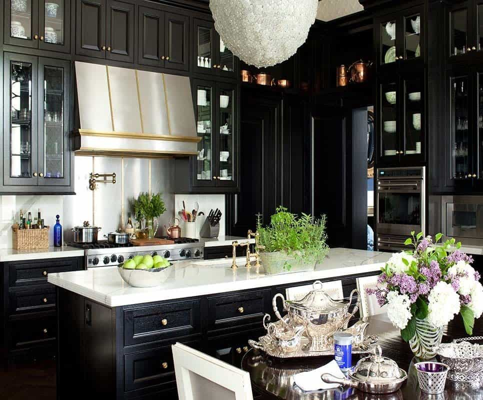 Dramatic Black Kitchen Ideas-38-1 Kindesign