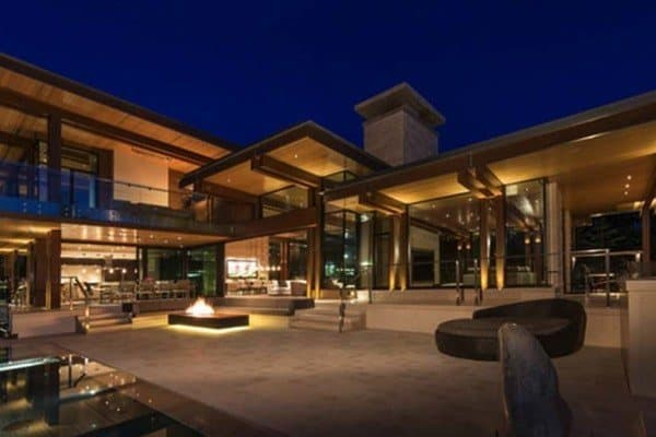 featured posts image for Phenomenal mountain home oasis with majestic views in Whistler