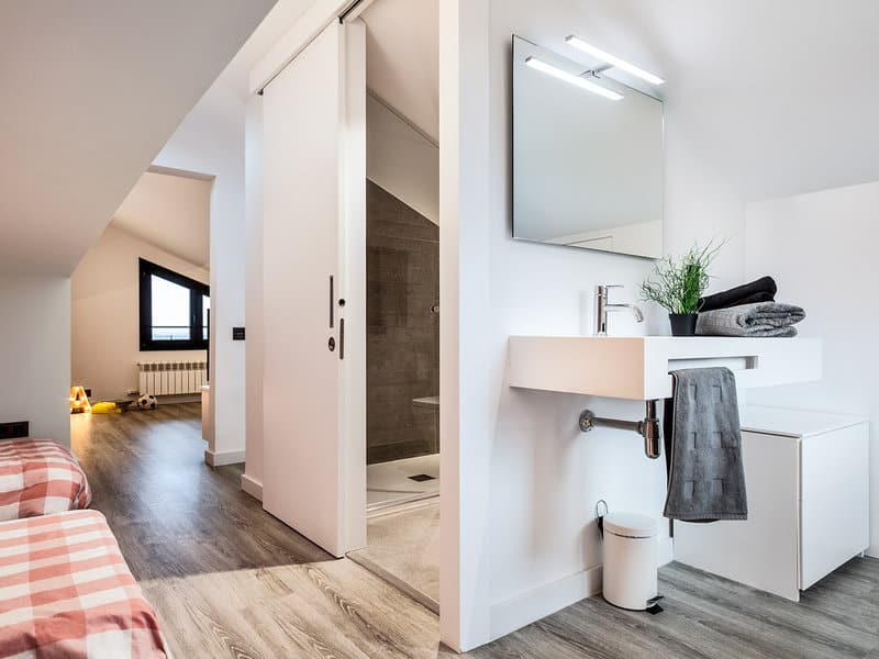 Modern-Minimalist-House-Drom Living-31-1 Kindesign