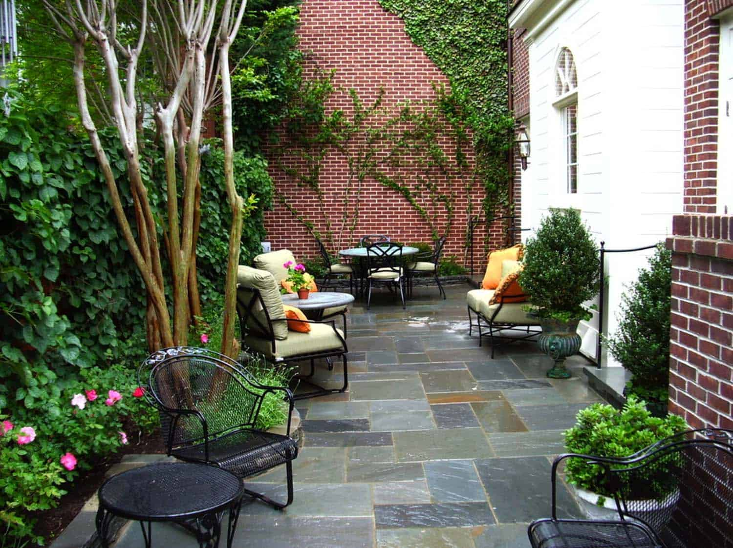 Traditional Outdoor Patio Designs-02-1 Kindesign