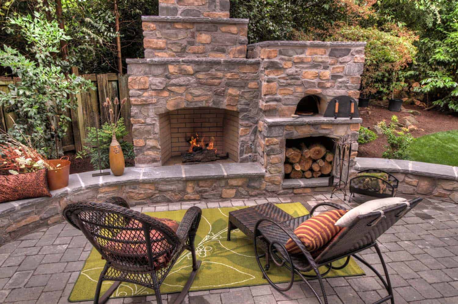 Traditional Outdoor Patio Designs-20-1 Kindesign