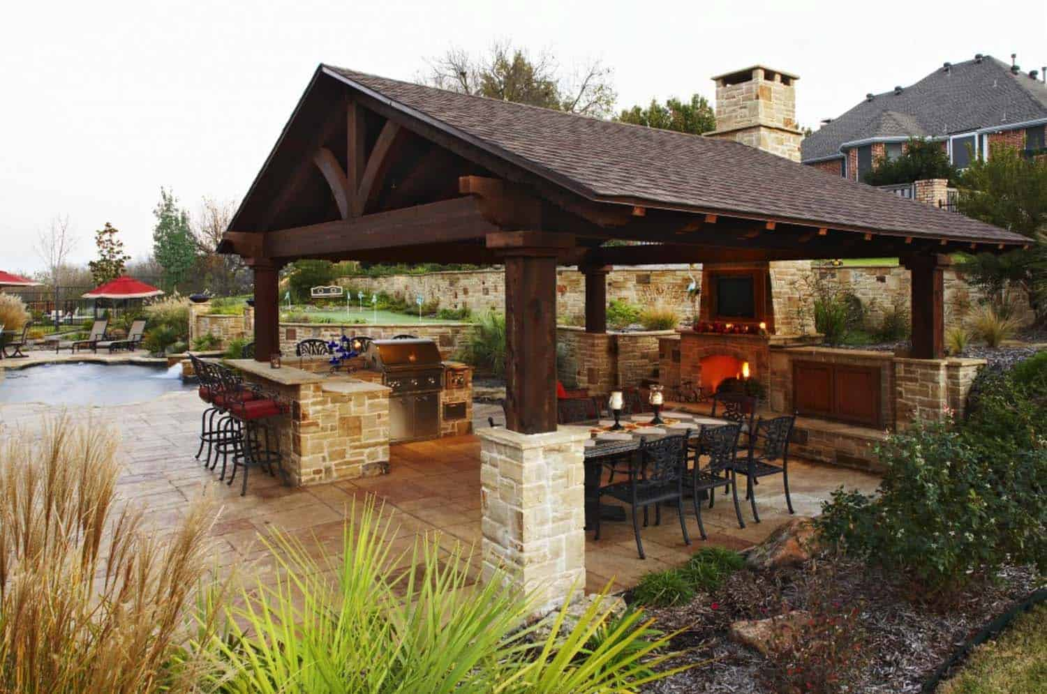 Traditional Outdoor Patio Designs-25-1 Kindesign