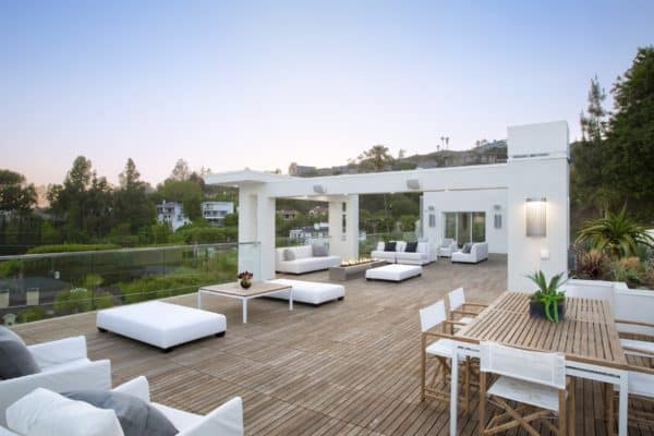 featured posts image for Sleek and sexy modernist residence above the Sunset Strip, LA