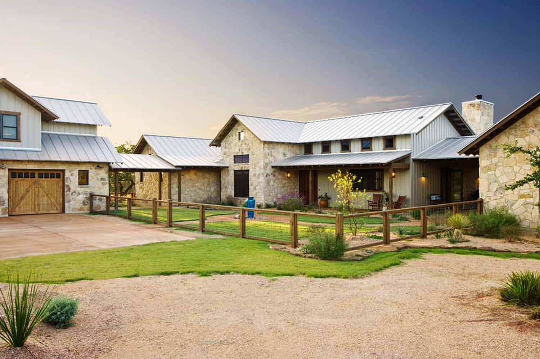 Ranch House-Barn-Burleson Design Group-02-1 Kindesign