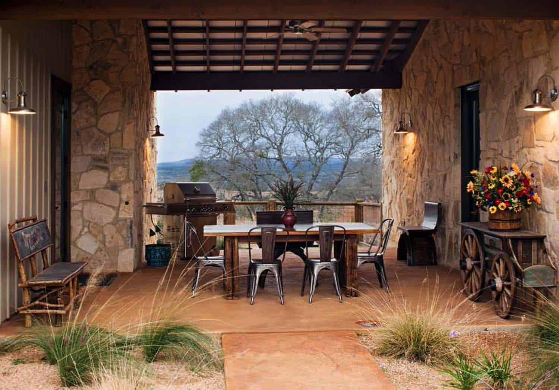 Ranch House-Barn-Burleson Design Group-04-1 Kindesign