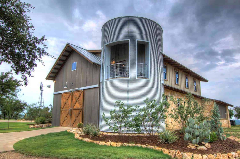 Ranch House-Barn-Burleson Design Group-16-1 Kindesign